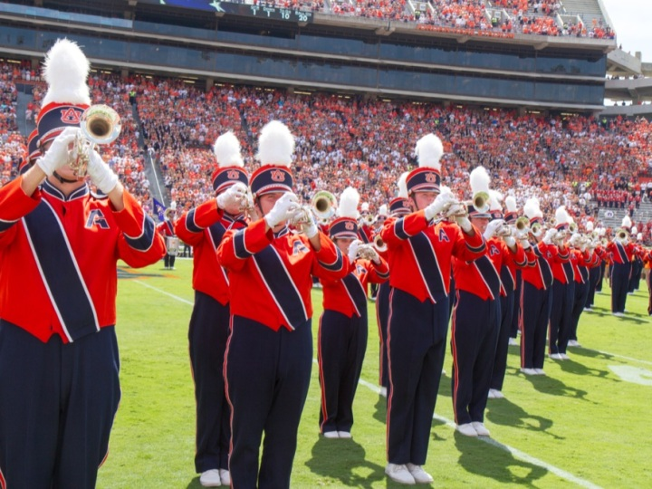 Auburn marching band members playing the Tigers fight song.